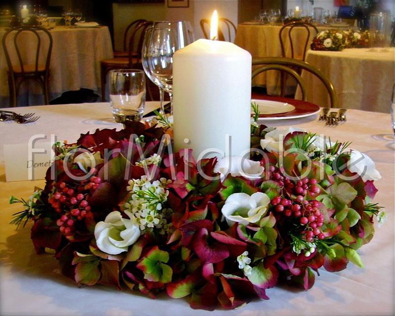 Addobbi floreali matrimoni e bouquet sposa con fiori rossi - Centrotavola autunnale ...