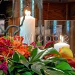Addobbo navata chiesa con fiori e candele