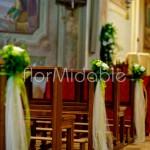 Allestimento stile romantico con fiori verdi