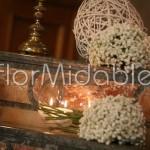 Allestimento minimal con candele
