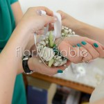 Bracciali floreali per testimoni