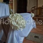 Decorazione floreale della panca degli sposi
