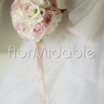 Bouquet romantico con rose cipria