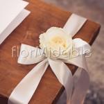 Semplice ed elegante decorazione monofiore della panca