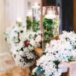 Ghirlande di orchidee, rose e velo da sposa