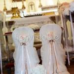 Addobbo cerimonia religiosa in stile minimal con sfere