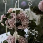 Alzatine romantiche con fioriture rosa cipria