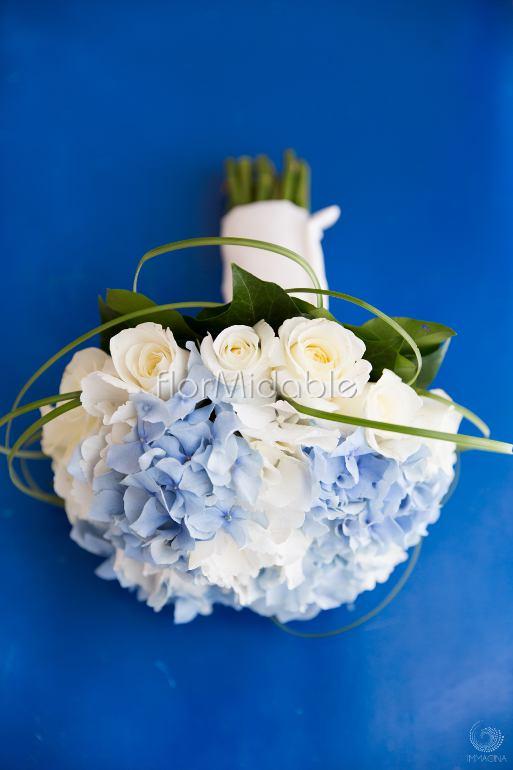Matrimonio Bianco E Azzurro : Matrimoni e bouquet da sposa con fiori blu tiffany