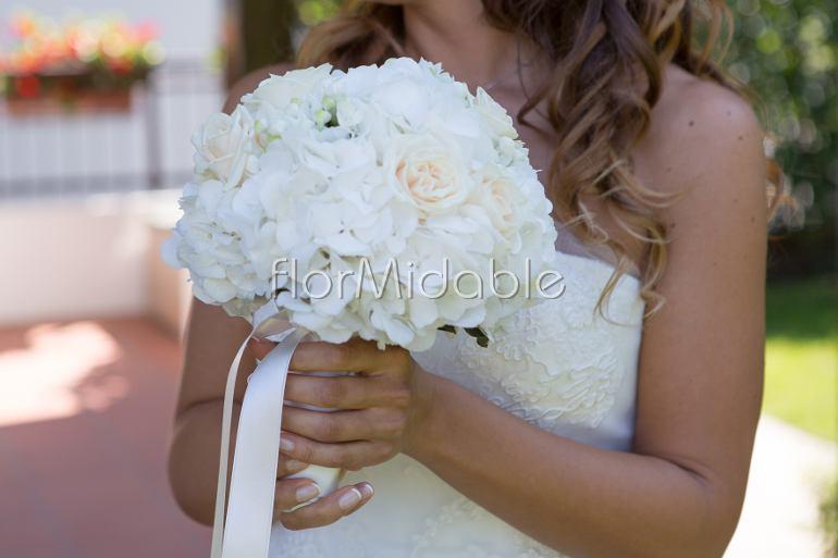 Bouquet Ortensie E Rose : Matrimoni e bouquet sposa con fiori in bianco avorio