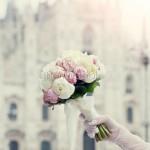 Bouquet di peonie bianche e rosa pallido