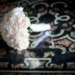 Bouquet da sposa classico con rose avorio