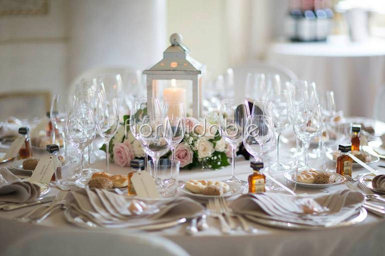 Centrotavola matrimonio eleganti romantici moderni for Addobbi tavoli matrimonio con candele