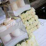 Addobbi ricevimento in stile moderno con cubi floreali