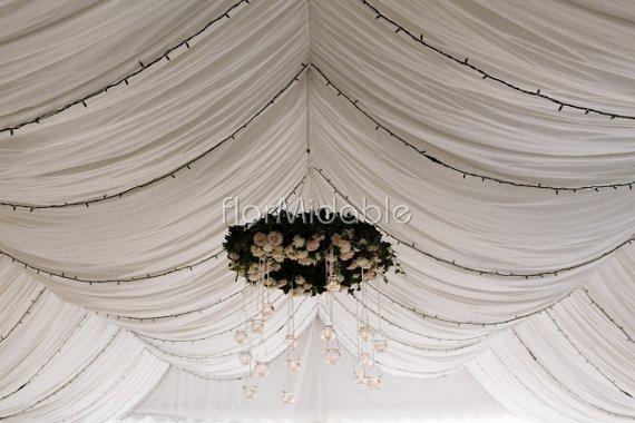 Scenografie floreali esclusive per matrimoni flormidable - Decorazioni sospese ...