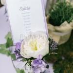 Peonie bianche e erbe aromatiche per ricevimento