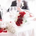 addobbo tavolo sposi con rose rosse