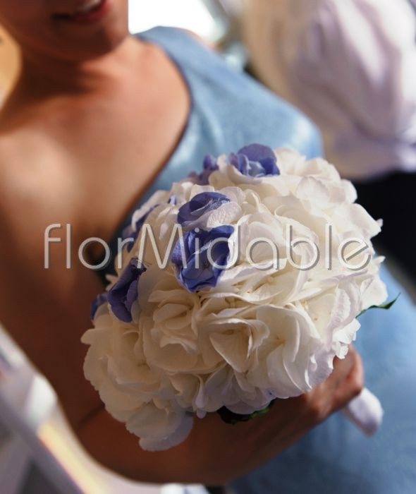 Matrimonio Azzurro Ortensia : Matrimoni e bouquet da sposa con fiori blu tiffany azzurro