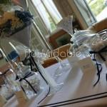 Dettagli decorativi confettata elegante in bianco e blu