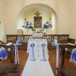 Addobbo con ortensie e delphinium blu matrimonio classico