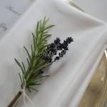 Segnaposto floreali con spighe di lavanda